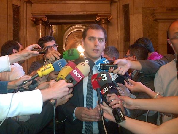 Rivera se ha reunido con Sánchez y Rajoy: pide negociaciones «en cada ámbito autonómico o municipal»
