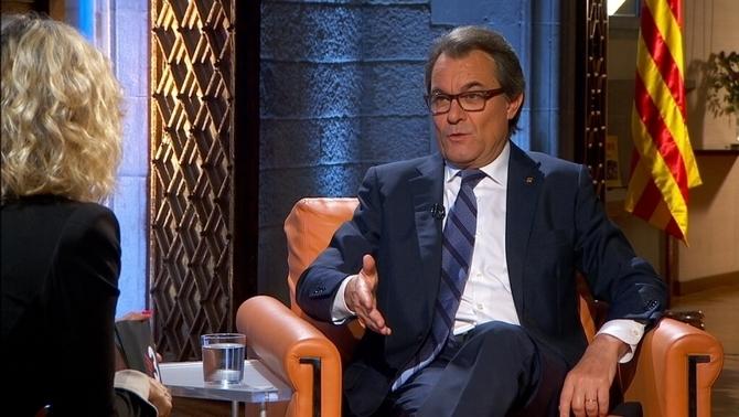 Artur mas en tv3 con mónica terribas