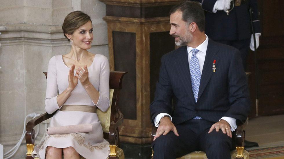 """El rey recuerda que España debe construirse con conductas """"éticas"""""""
