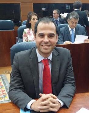 Ignacio Aguado en su escaño, Asamblea de Madrid