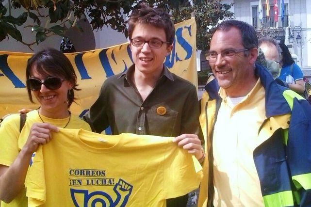 Iñogo Errejon y trabajadores de correos España