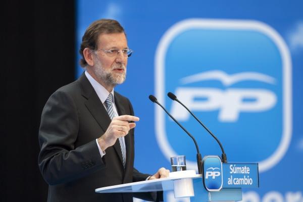 Zarate con Rajoy en Facebook: «¿Mariano, aun no te has enterado que Artur Mas quiere dar un golpe de Estado?», Rajoy: «Gracias, por volver a escribir, Joan»