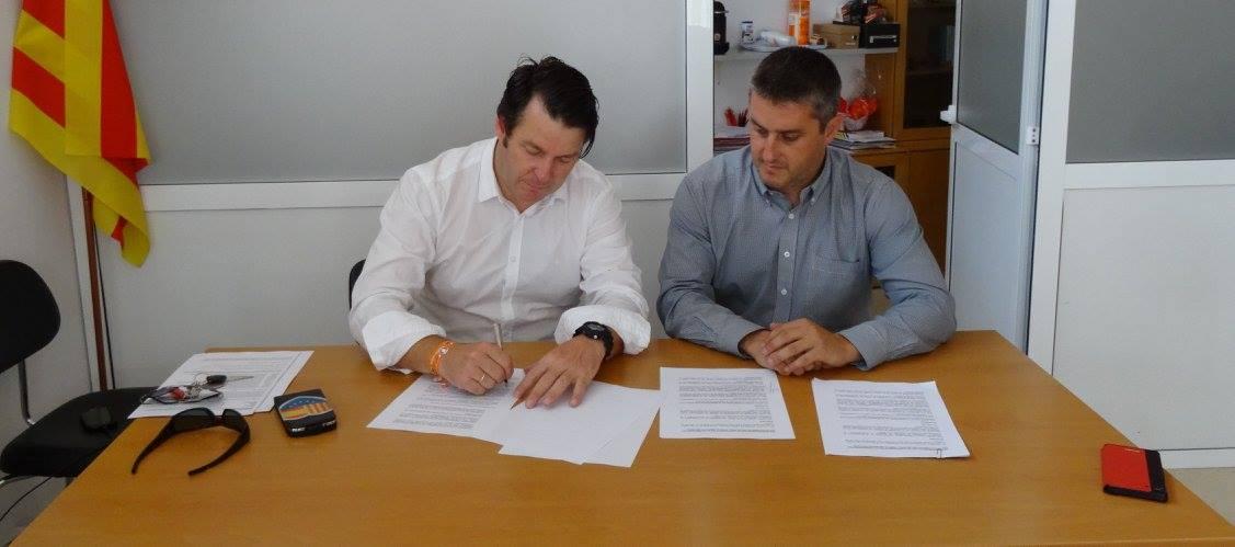 Ciutadans (C's) pacta con el PSOE para eliminar los trapos separatistas y reforzar  el castellano en Calafell (Cataluña)