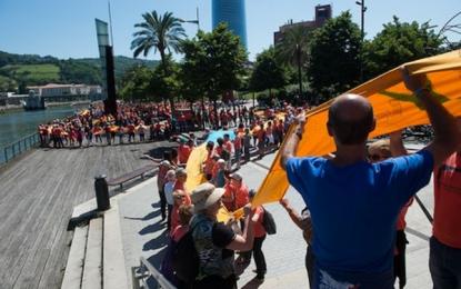 Miles de separatistas se movilizan en las Vascongadas  y Francia por el derecho a la autodeterminación unilateral