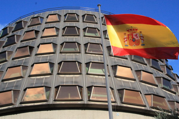 el tc suspende las estructuras de estado separatista catalán
