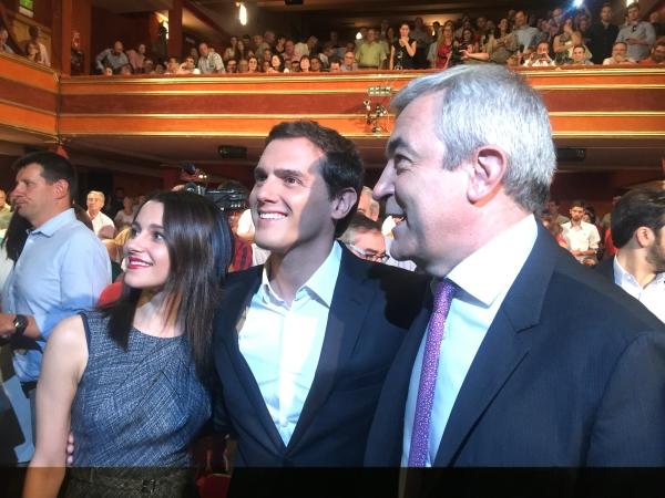 Albert, Inés y Garicano acto presentación Albert