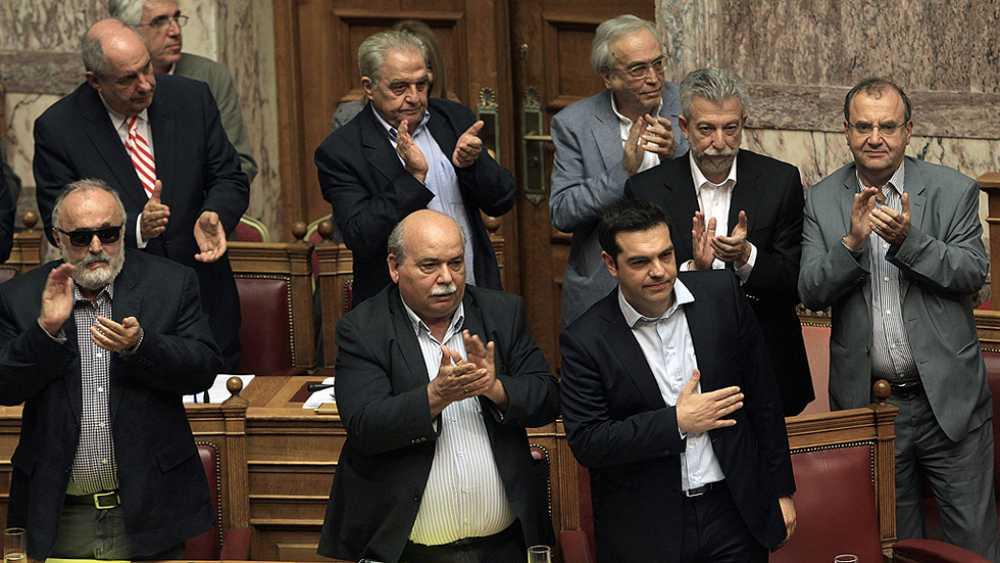 Alexis Tsipras recibe el apoyo del parlamento griego