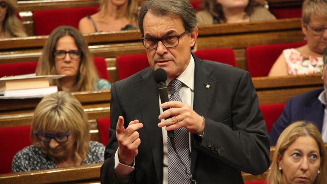 Artur Mas pierde los papeles, bobos solemnes, hooliganes, ignorante al PSOE, C's, PP