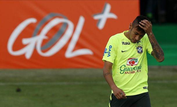 Brasil Neymar participa en