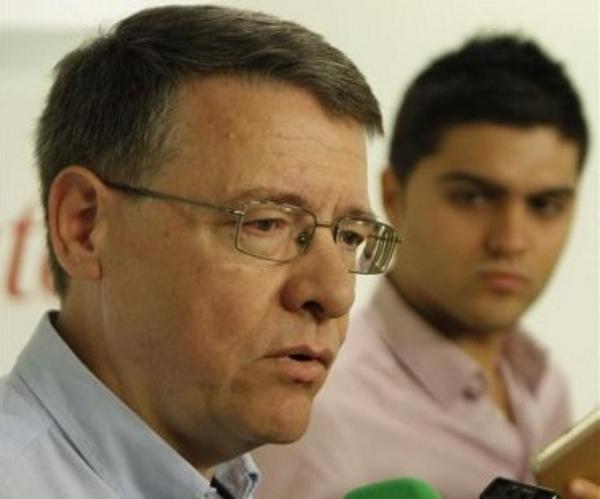 El responsable de Economía del equipo que asesora al PSOE en el programa electoral, Jordi Sevilla, ha criticado