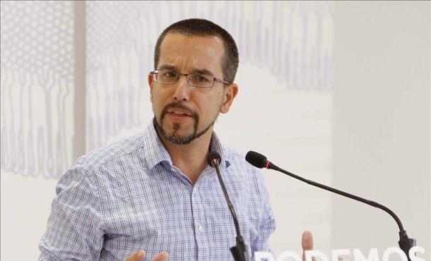 El secretario de Organización de Podemos, Sergio Pascual, durante la rueda de prensa que ha ofrecido hoy tras una reunión del Consejo de Coordinación de la formación. EFE