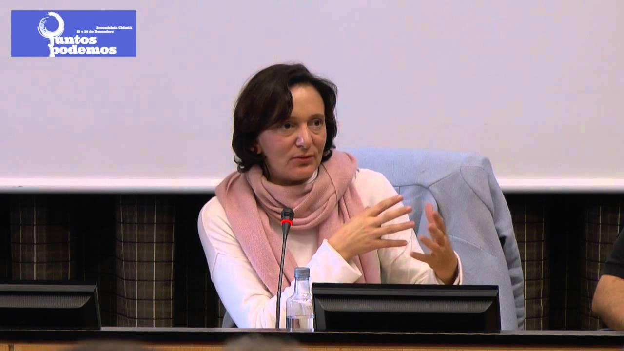 Fotografía Carolina Bescansa, durante un acto político de asamblea ciudadana de Podemos