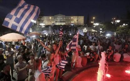 Grecia rechaza la propuesta de la Troika con un rotundo 'NO'; 61,42 % frente al 38,58 % del 'Sí'