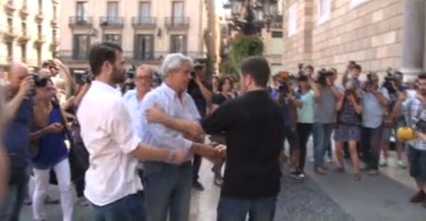 Reyes Pino expulsado de la cumbre secreta separatista por ser castellanohablante separatista nacido en Córdoba (1)