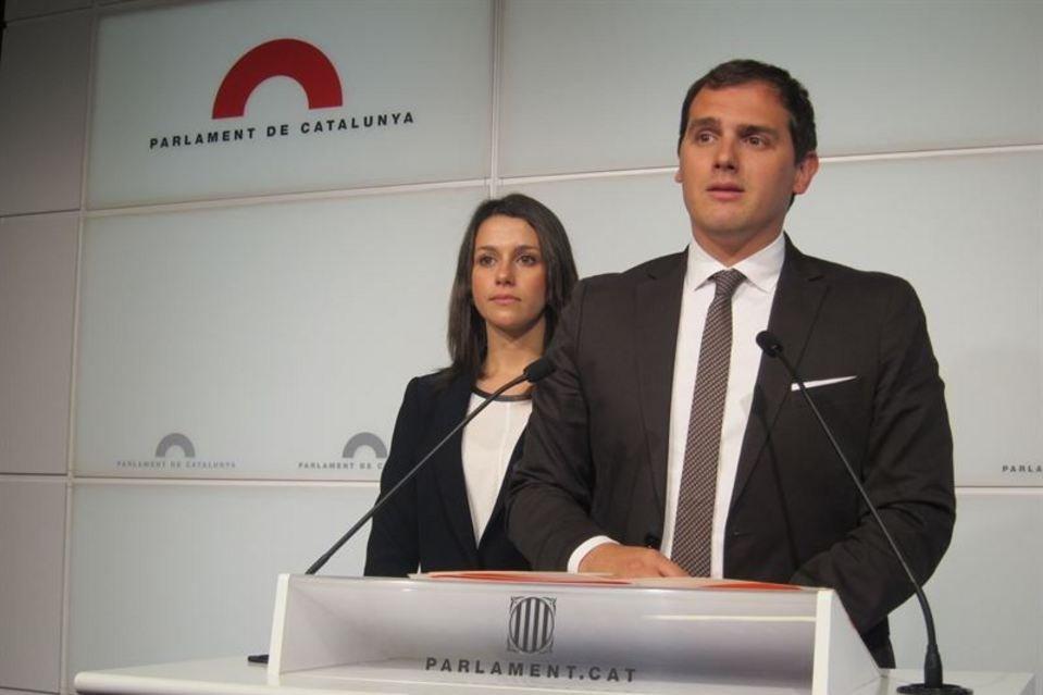 Rivera y Arrimadas proclamados candidatos de C's a la presidencia de España y del gobierno autonómico de Cataluña