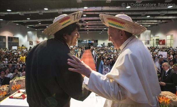 el papa junto al presidente boliviareño, evo morales ayer