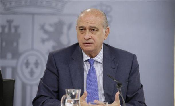 El psoe pedir la cabeza del ministro de interior por for El ministro de interior