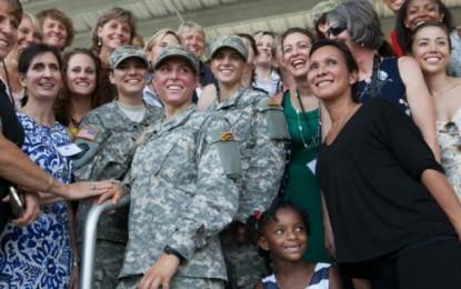 Antiguas militares del Ejército estadounidense orgullosas sus herederas Rangers