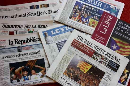 La victoria del separatismo en casi todas las portadas de la prensa internacional