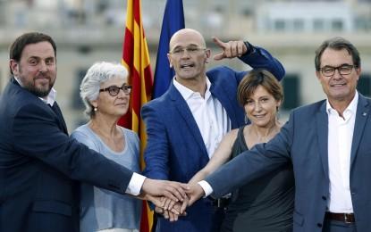 (JxPLSí) obtiene 64 escaños y suma una mayoría separatista con la CUP, con el 20,5% escrutado