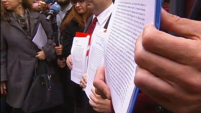 Los líderes de formaciones constitucionalistas en cataluña presentando las denuncias del golpe de Estado de JxSí y CUP a los medios. lasvocesdelpueblo