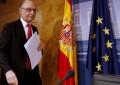 Hacienda pondrá deberes antidéficit a Puigdemont y Castilla y León por incumplimiento de déficit