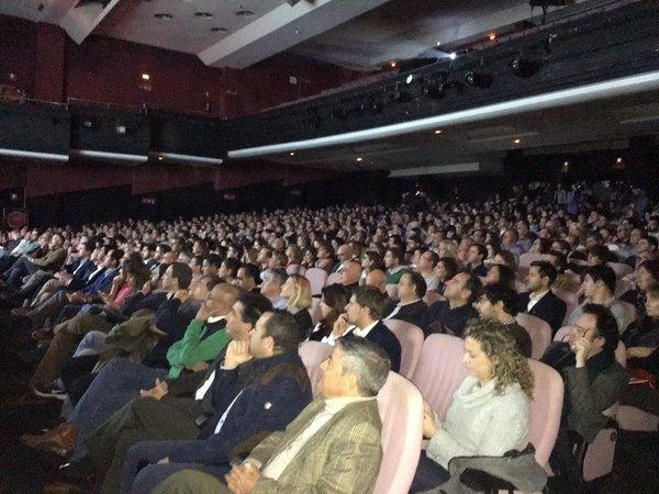 Simpatizantes de Ciudadanos durante el acto de la formación este domingo en Barcelona. Lasvocesdelpueblo