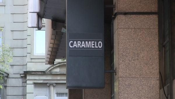 Fotografía logotipo de la discoteca CARAMELO de Barcelona. Lasvocesdelpueblo.