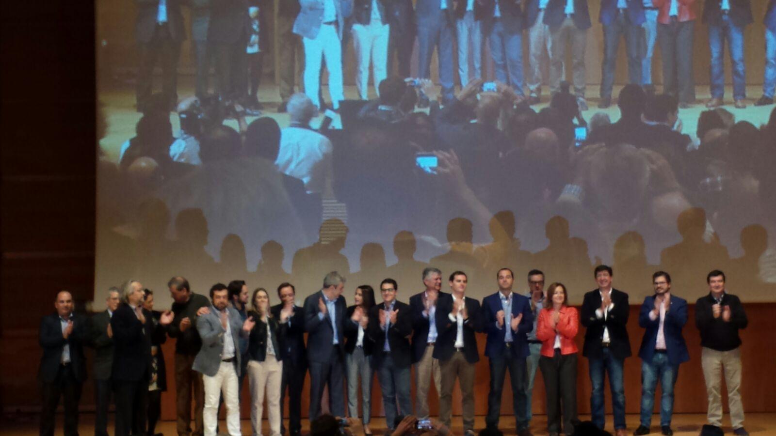 Los líderes regionales de la formación junto al candidato de C's a la presidencia de España
