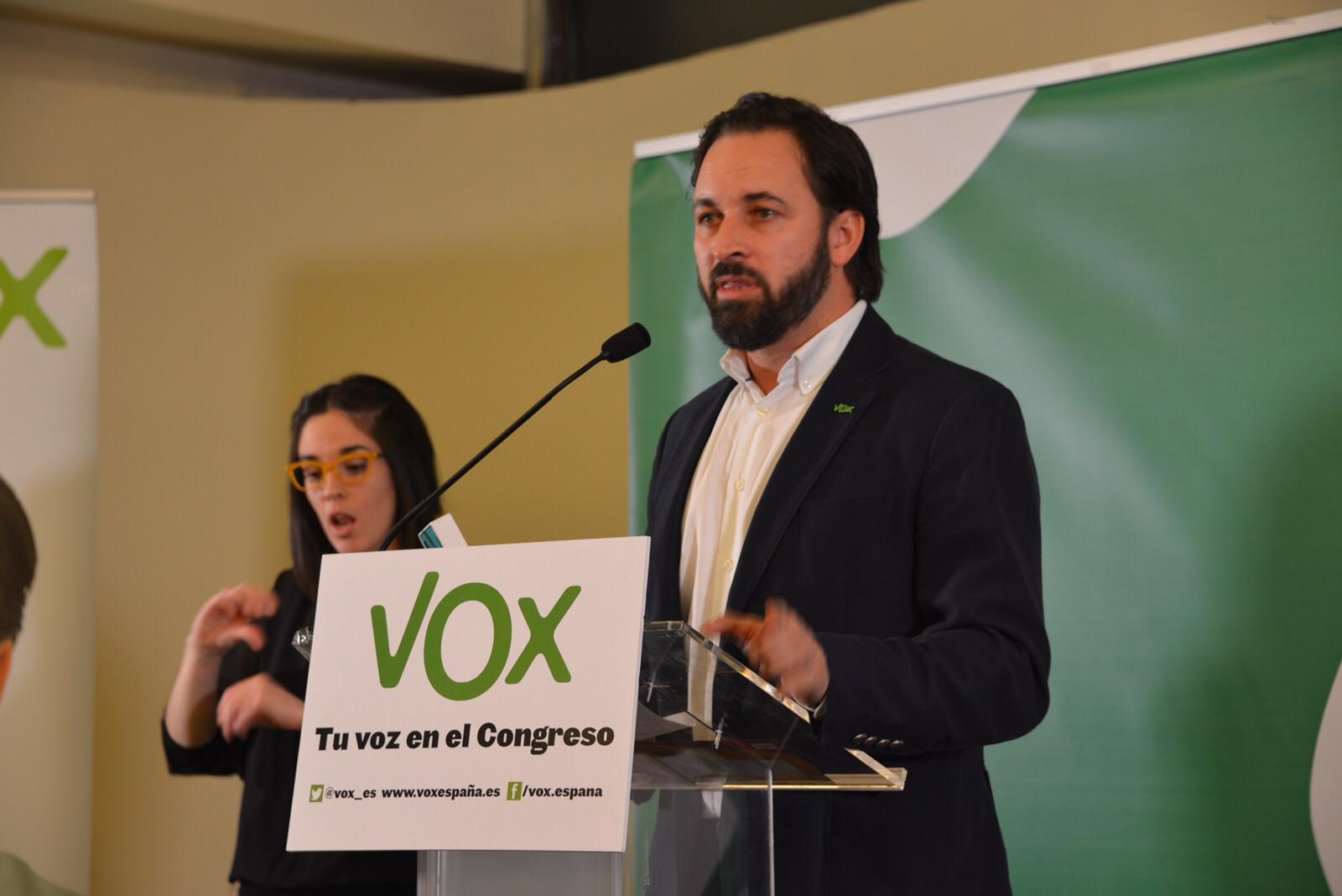 """Cierre multitudinario de campaña de VOX denunciando la """"traición"""" de los que """"eran nuestros"""""""