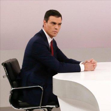 """Sánchez a Rajoy: """"El presidente tiene que ser decente y usted no lo es"""""""
