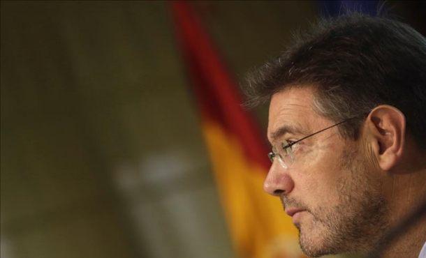 El ministro de Justicia a Pablo Iglesias: es inimaginable hacer un referéndum al margen de la ley