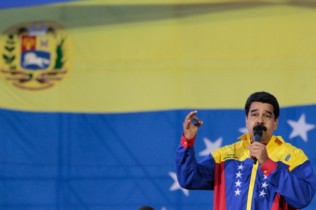 """Nicolás Maduro: """"Si la derecha"""" gana las elecciones del 6D """"me tiro por la calle con el pueblo"""""""