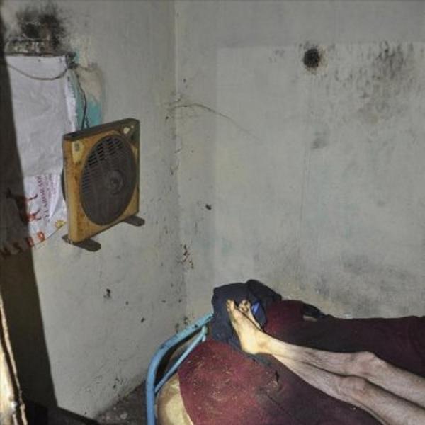 Liberan en Sevilla a un hombre encerrado en condiciones inhumanas por sus hermanos