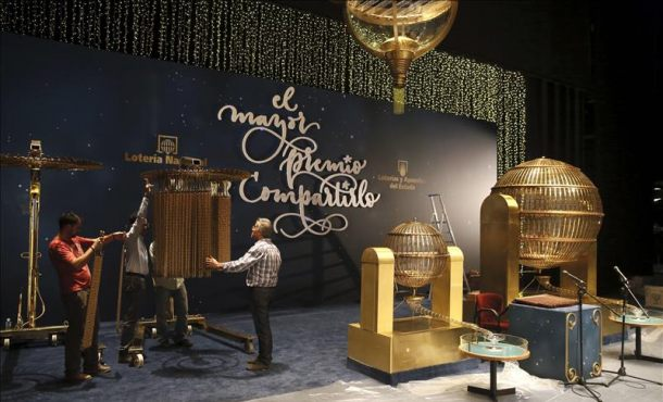 La Lotería de Navidad repartirá hoy 2.240 millones de euros en premios