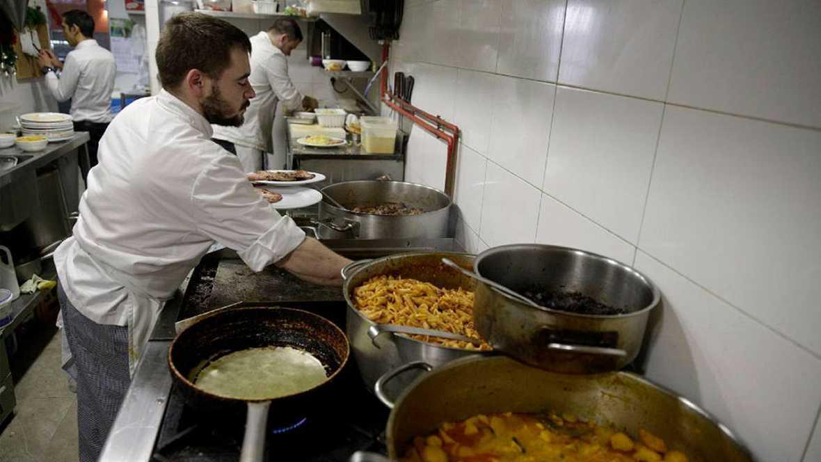 El total de desempleados en España se situó a finales de diciembre en 4.779.500 y con una tasa de 20,9%
