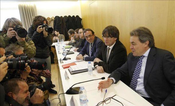 CDC se refundará en junio 2016 con Artur Mas al mando para pasar la página corrupta del partido