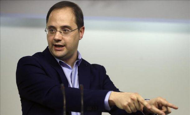 """Luena: """"Todavía es el tiempo de Rajoy como para evaluar si ha llegado el tiempo de otros"""""""