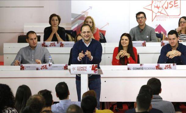 """PSOE: El PP propone esa """"especie de abrazo del oso que es la gran coalición"""", un """"fraude"""" a España"""