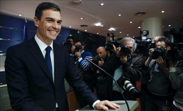 Sánchez llama a Rivera y acuerdan dialogar en los próximos días después del abandono de Rajoy