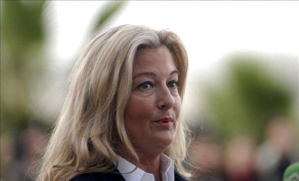 La letrada de Manos Limpias, Virginia López Negrete, en declaraciones a los medios a su llegada al edificio de la Escuela Balear . Efe
