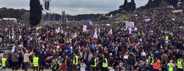 Multitudinario rechazo de las uniones homosexuales y defensa al matrimonio en Roma (Italia)