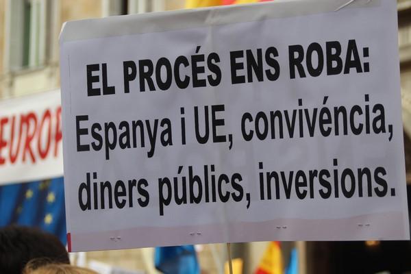 """Las mejores fotos del la concentración """"El Proceso separatista Nos Roba"""" del domingo 31"""