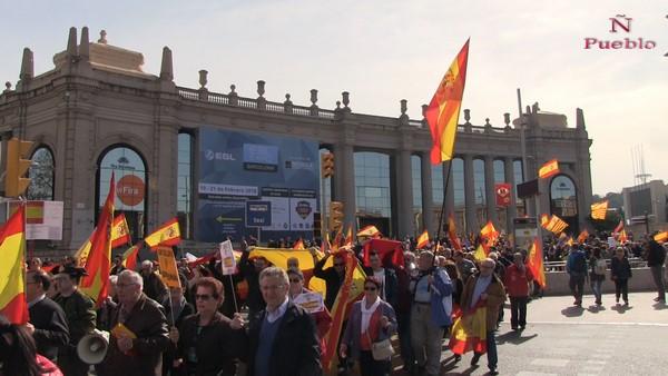 """Miles de catalanes orgullosos de España rechazan """"las sectas catalanistas que corrompen"""" Cataluña"""