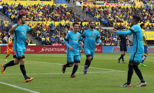 El Barsa sufre y gana en Las Palmas y se sitúa a 8 y 10 puntos de sus perseguidores Atlético y Madrid