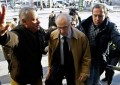 Vídeo – Rato (PP) llegando hoy a los juzgados: Insultado e increpado por un grupo de preferentistas