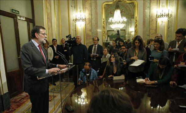 Rajoy no se ve acorralado por la corrupción, de la que no ha hablado con Sánchez