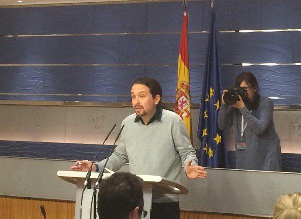 """Podemos ofrece al PSOE un referéndum en Cataluña como punto """"imprescindible"""" para Gobernar"""