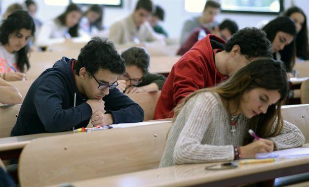Las familias españolas gastan menos de 1.300 euros en Educación Pública durante la crisis