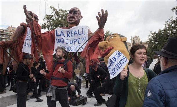Plataforma en apoyo a Titiriteros exige en Granada eliminar los cargos impuestos a los titiriteros